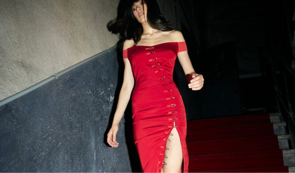 Welcome to the new-look irresistible. Femininity done your way. This is the new Ivy Red Dress.