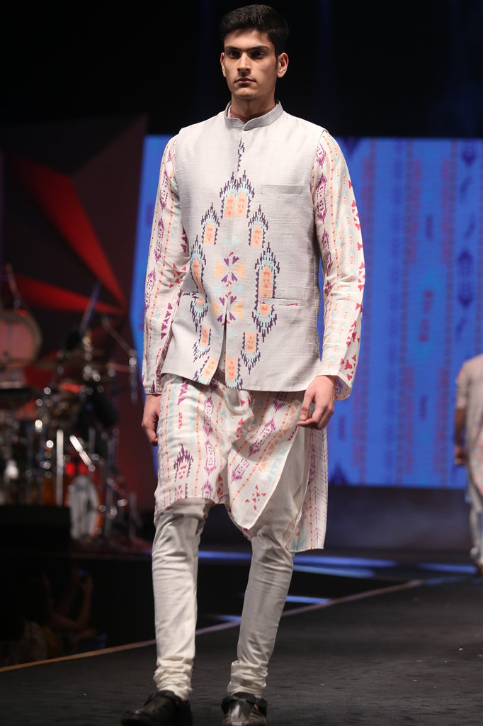 Off white Ikat Stripe print silkmul bandi and kurta Set
