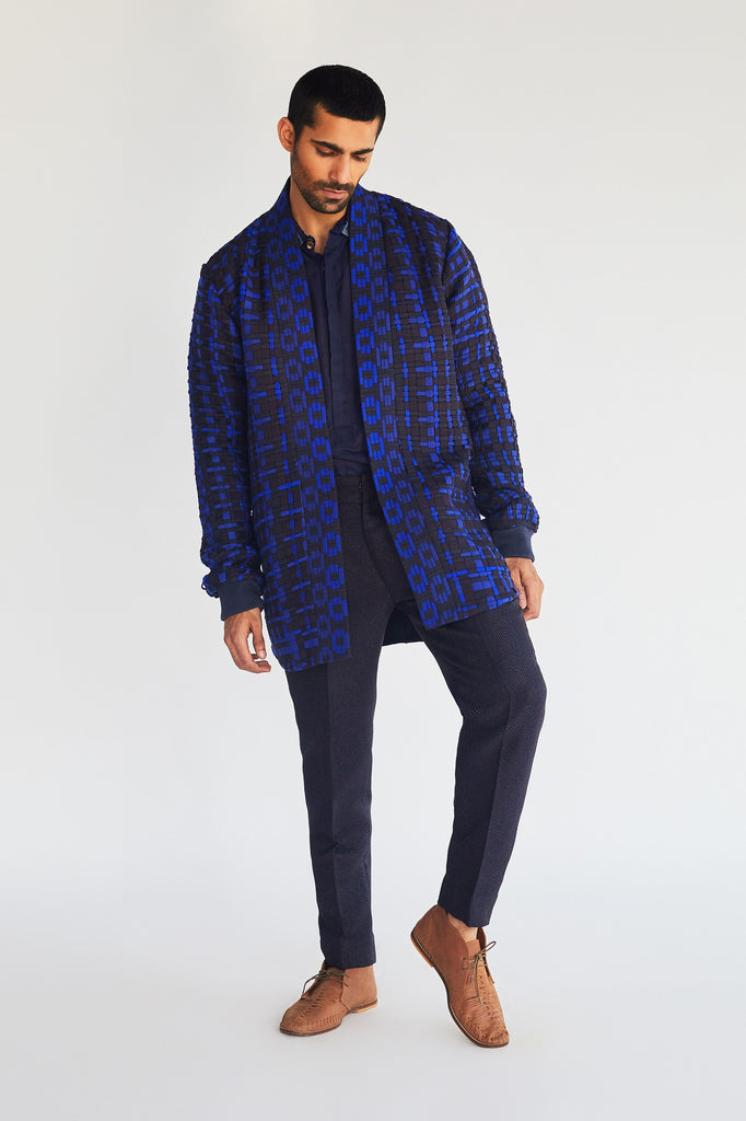 Open oversized jacket with short kurta and pants