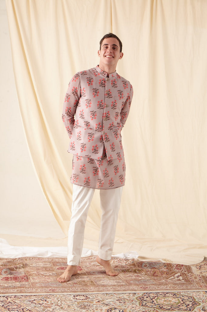 The Mauve mal Printed kurta pajama set with matching Bandi