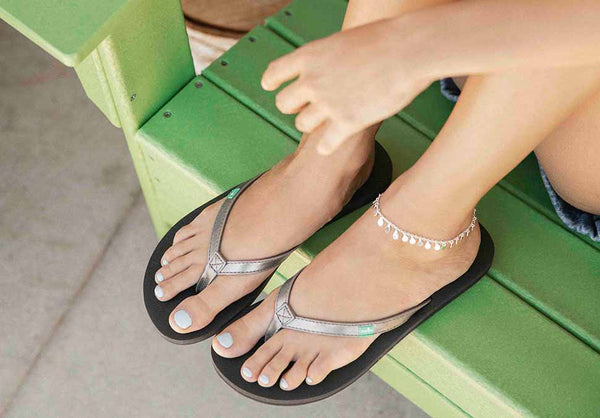 Sanuk Yoga Joy Metallic Champagne