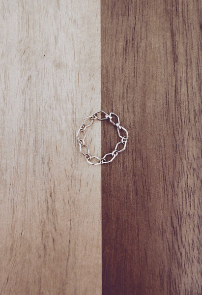 Be Bold chained Ring