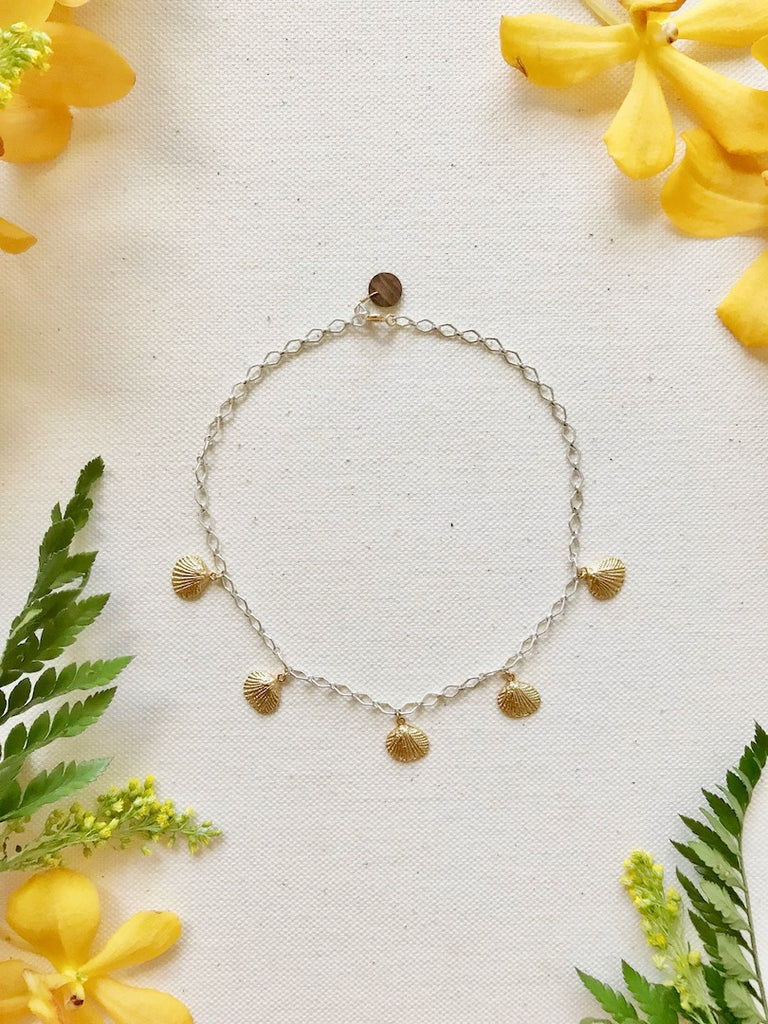 Dangling shells Choker