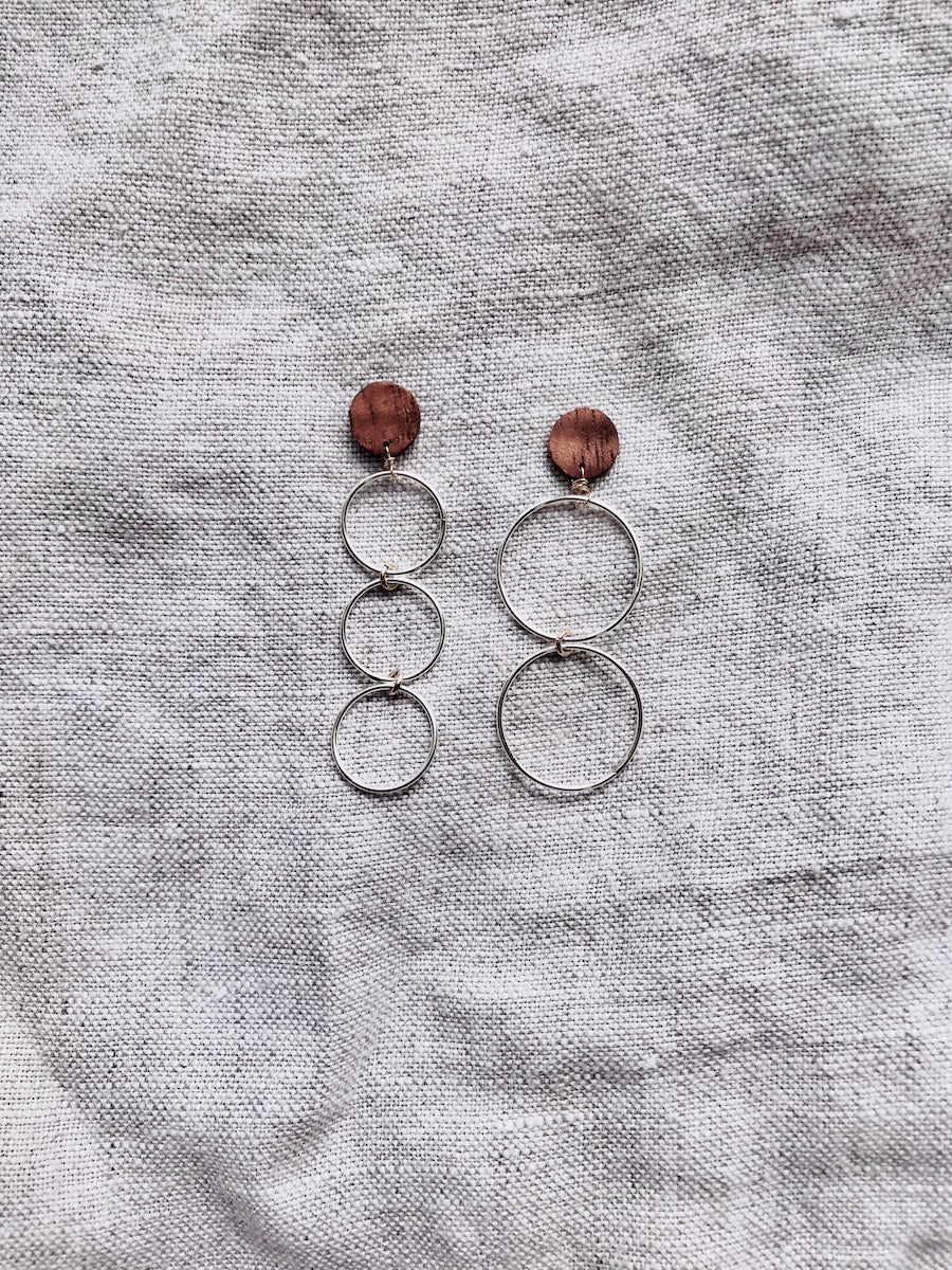 5 O's Earrings