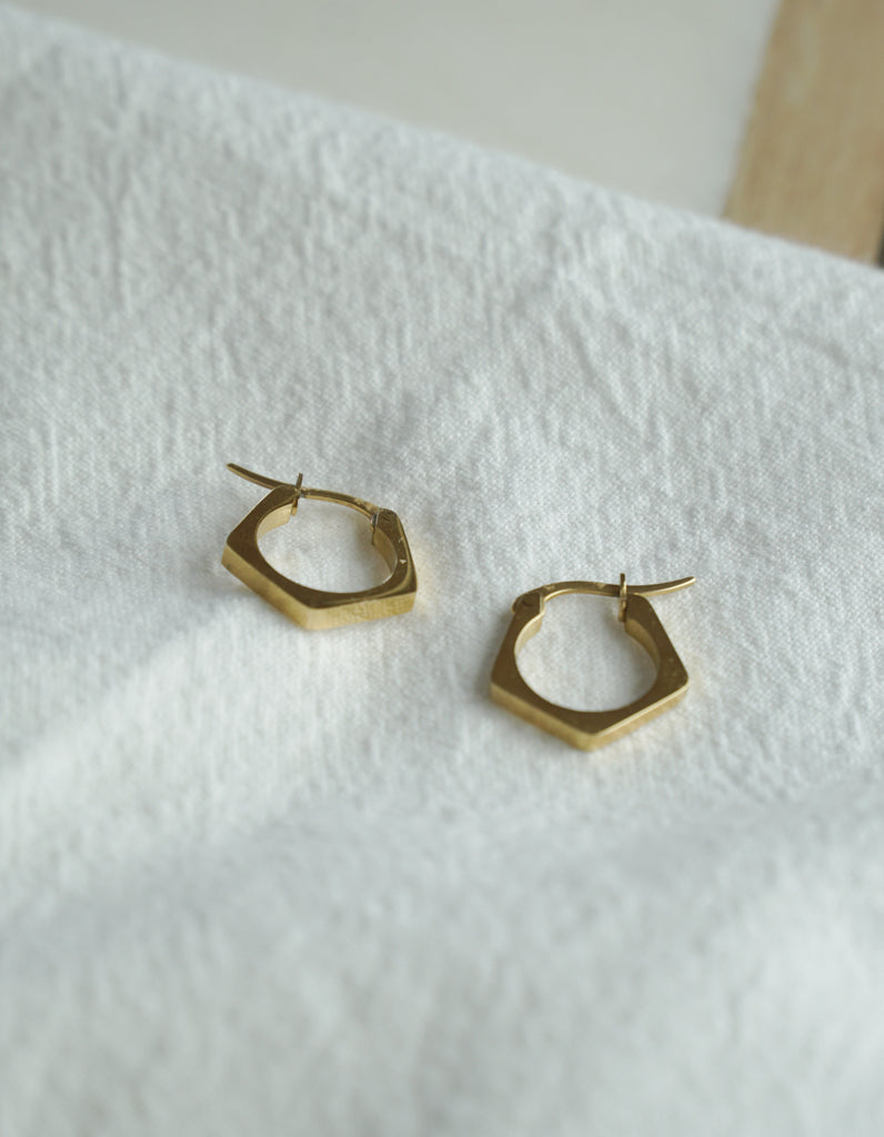 Tiny Hexa Earring