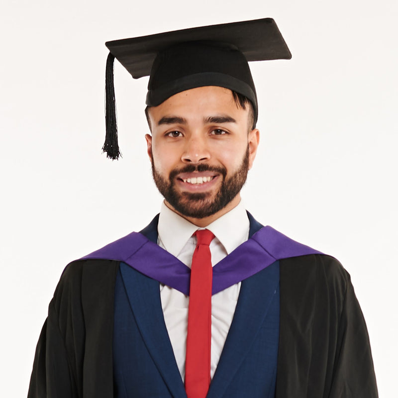 London Metropolitan University Bachelors Graduation Set