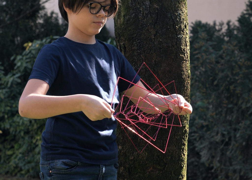 Square Wave is a kinetic spinner that is easy to use and fun for every age