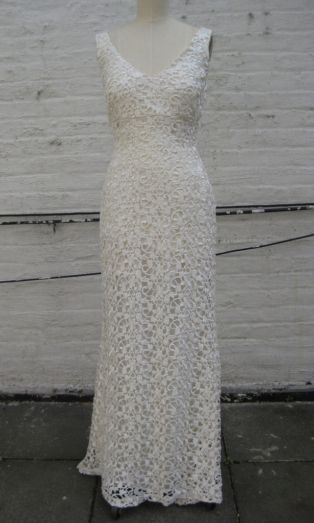 Ivory Guipure Lace V-neck Trumpet Wedding Gown – shopkimera