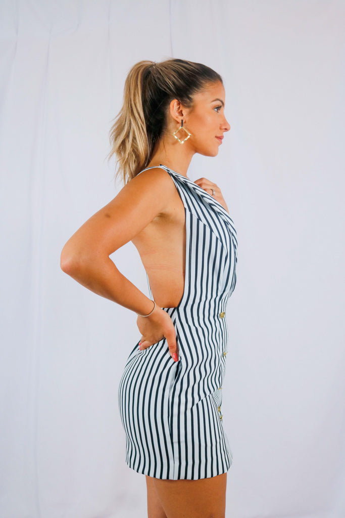 EXECUTIVE DRESS IN STRIPES