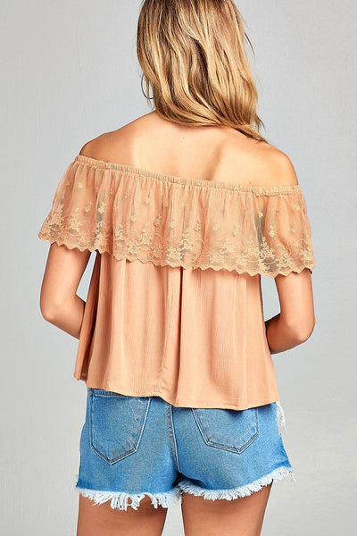 Ladies fashion off the shoulder w/lace ruffle crinkle gauze woven top