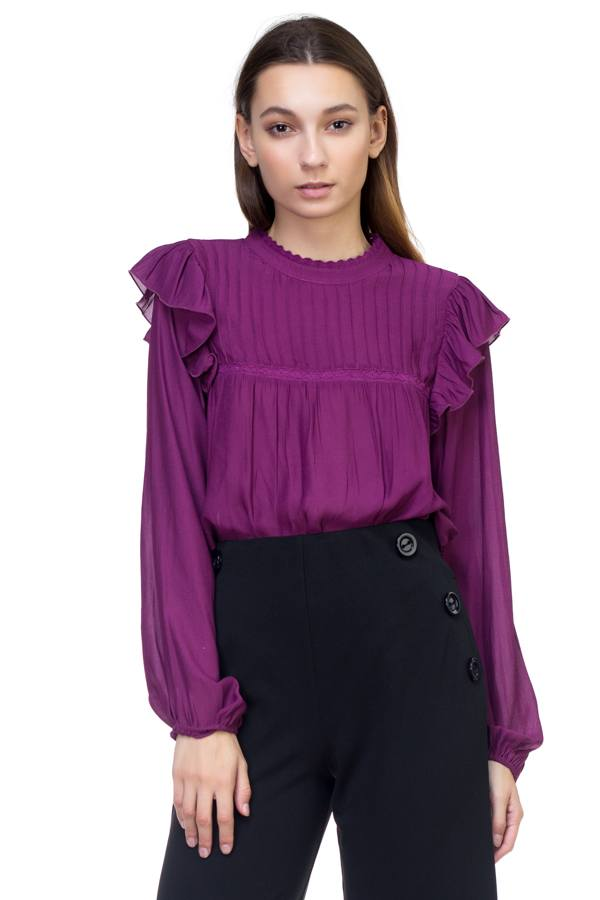 Long sleeve mock neck shirt