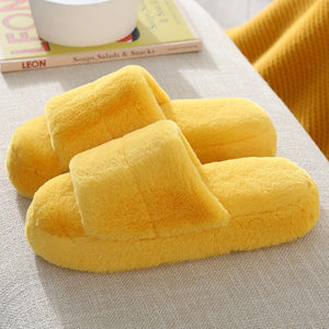 Fur slippers for women