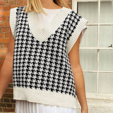 Houndstooth Knit Sweater Vest