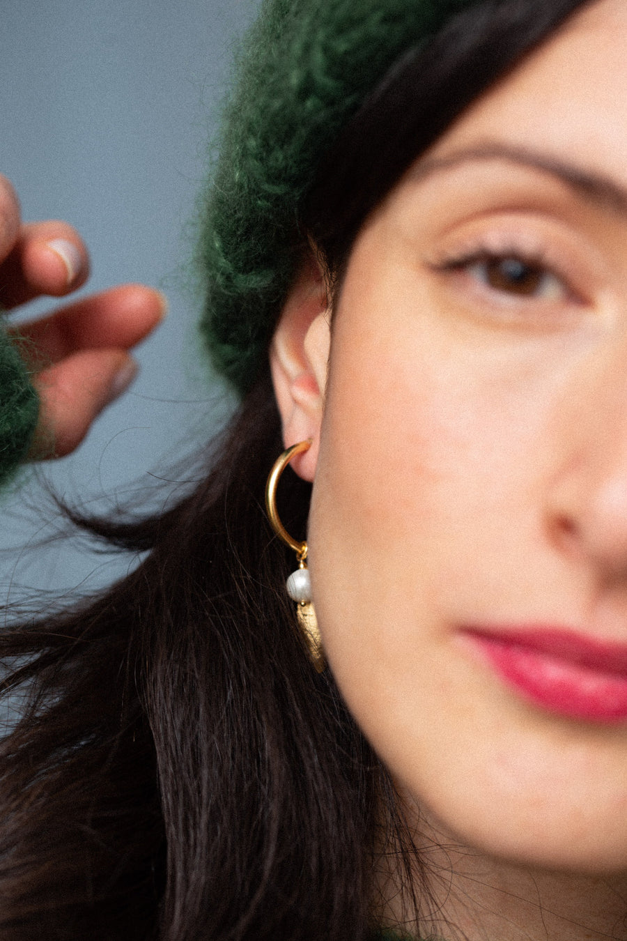 PERLA LEAF HOOPS gold