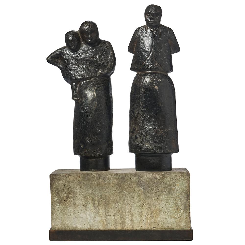 Familia Sculpture