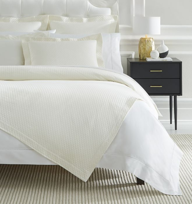 Bari Matelassé Bedding Collection