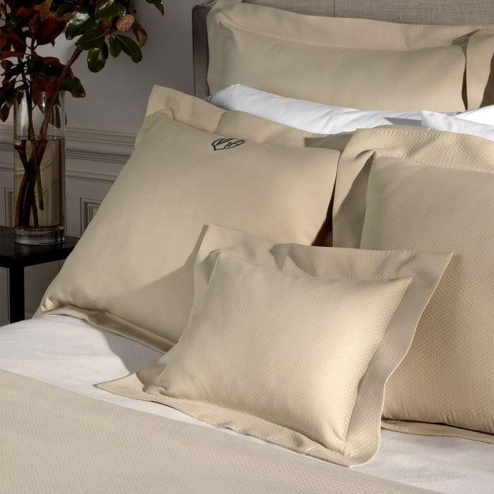Elliot Bedding Collection