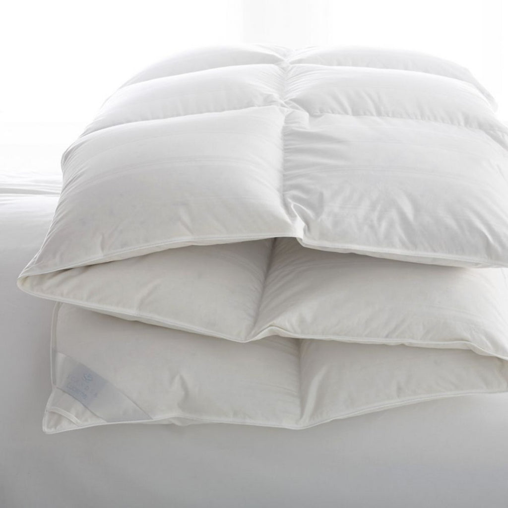 Scandia Home Lucerne Hungarian White Goose Down Comforter