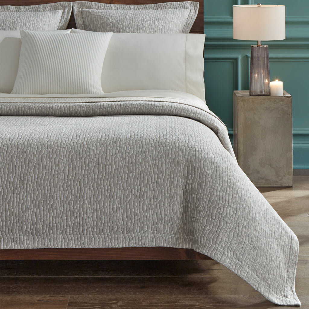 Ondate Bedding Collection