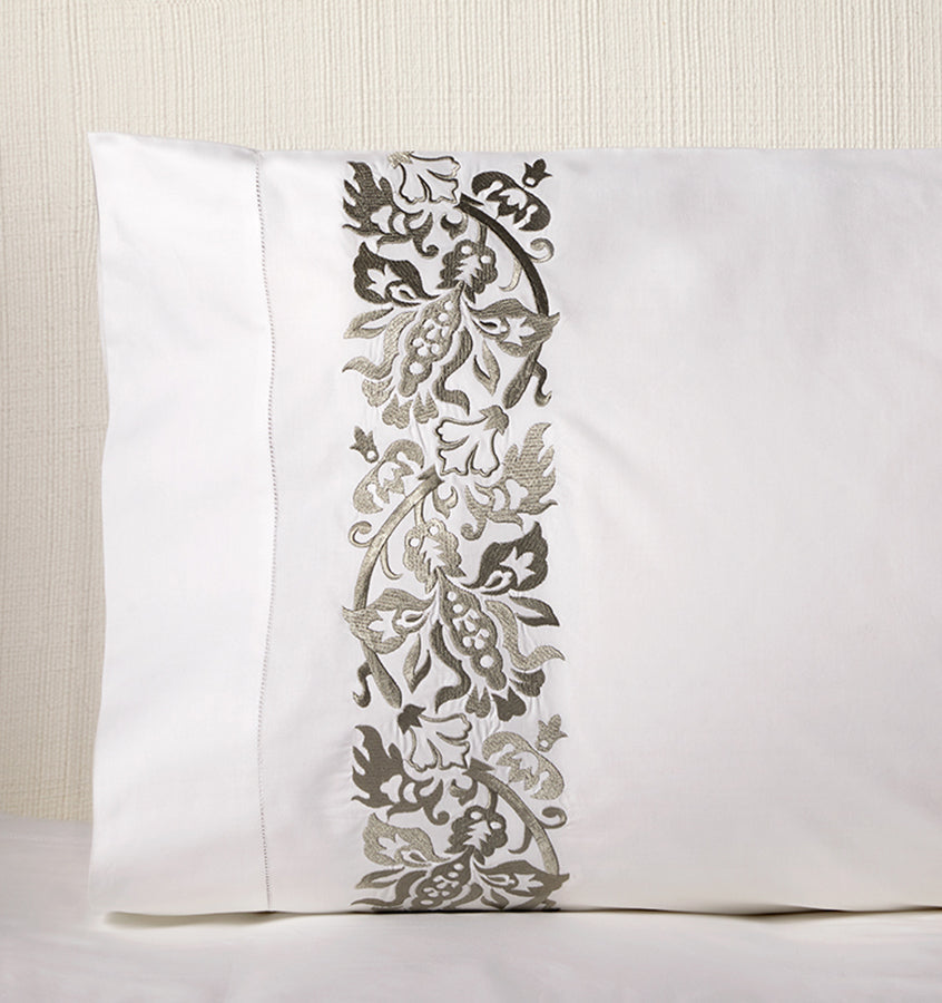 Sferra Saxon Pillowcase Pair