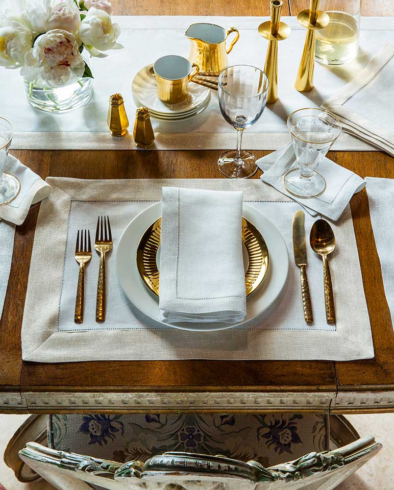 Sferra Filetto Table Linens