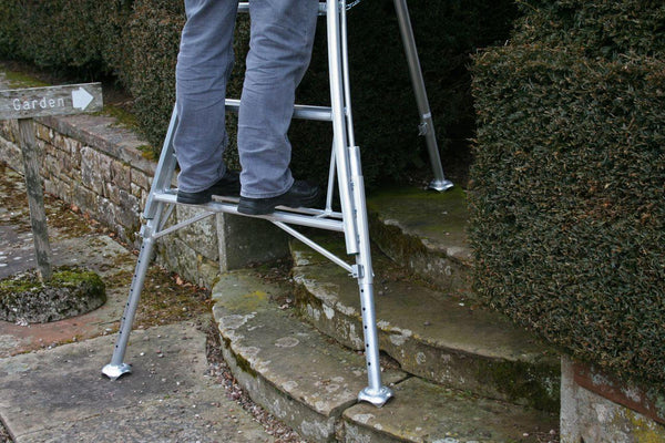 3 Leg Adjustable Tripod Ladder close up steps