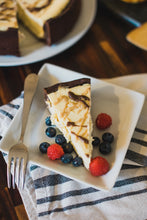 Load image into Gallery viewer, King's Cheesecake