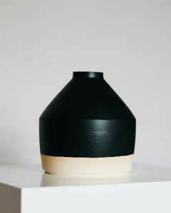 Geo Vessel in Matte Black