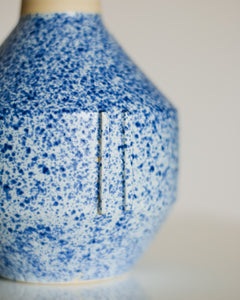 Geo Vase in Speckle Blue