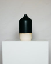 Load image into Gallery viewer, Bottle in Matte Black