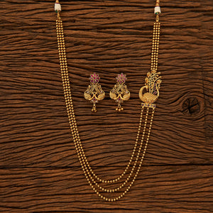 Antique Style Pendant Necklace with gold plating