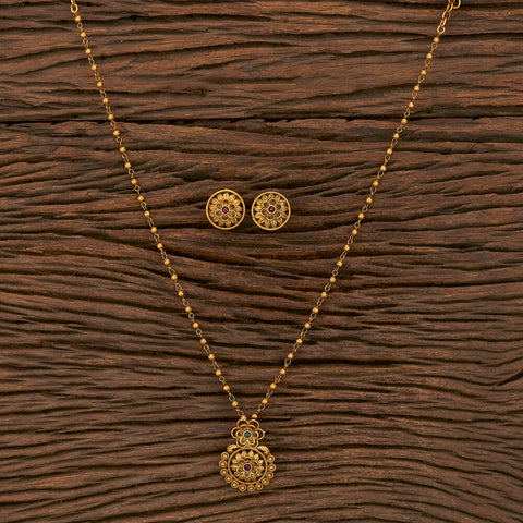 Antique Classic Pendant Set With Matte Gold Plating