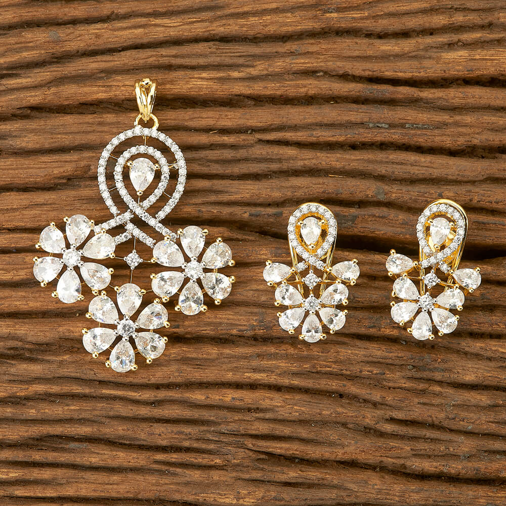 Cubic zirconia Pendant Set With Gold Plating