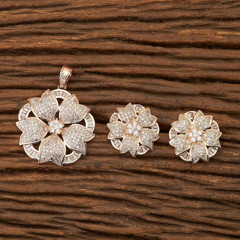 Cubic zirconia Classic Pendant set with rose gold plating