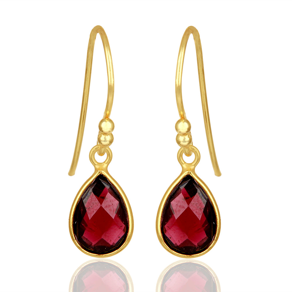 925 Silver Earrings In Pear Design With Garnet Gemstone