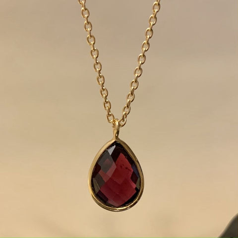 925 Silver Necklace In Pear Design With Garnet Gemstone