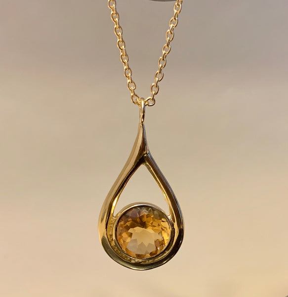 925 Silver Necklace In Dangle Drop Design with Citrine Gemstone