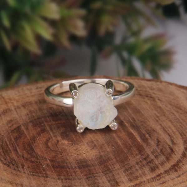 925 Silver Ring With Raw Rainbow Moonstone Gemstone
