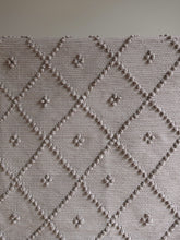 将图片加载到图库查看器,VILLA501 / Cotton rug / Light brown M / 4 dots