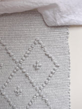 Load image into Gallery viewer, VILLA501 / Cotton rug / melange grey M / 5 dots