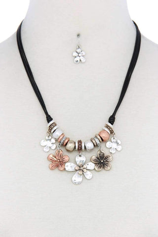 Tri Tone Flower Charm Pu Leather Necklace - Wild Within®