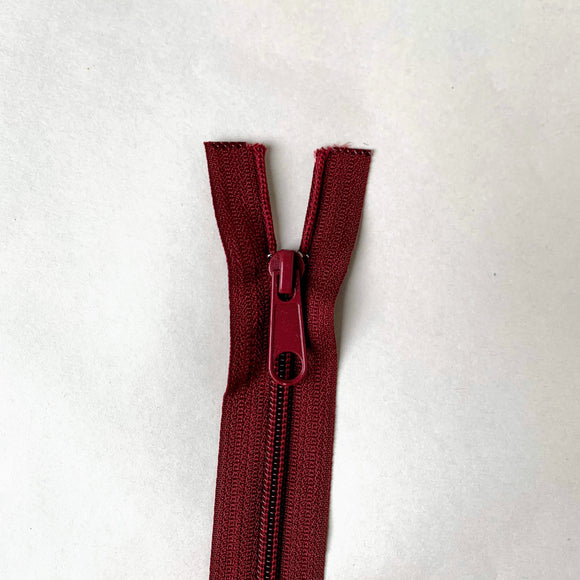 Two Way Separating Zipper - Medium Weight Nylon Coil 66cm (26″) - Bordeaux