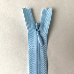 Invisible Closed End Zipper 55cm (22″) - Light Blue