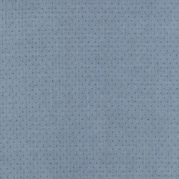 Robert Kaufman Quotes Chambray - Indigo - 1/2 Yard