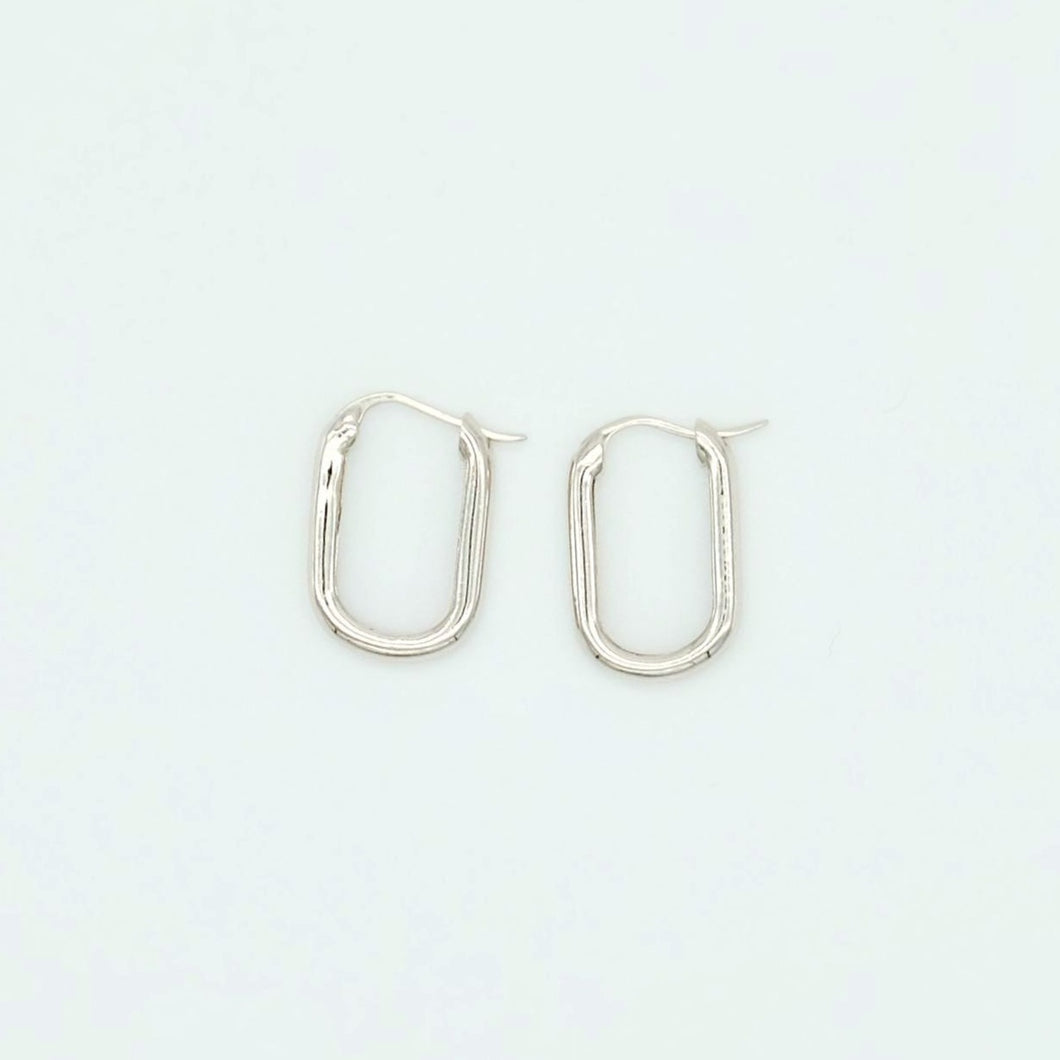 everyday minimal dainty jewelry dalhaejewelry timeless style capsule wardrobe staple minimalist fashion staple link hoop oval earrings sterling silver