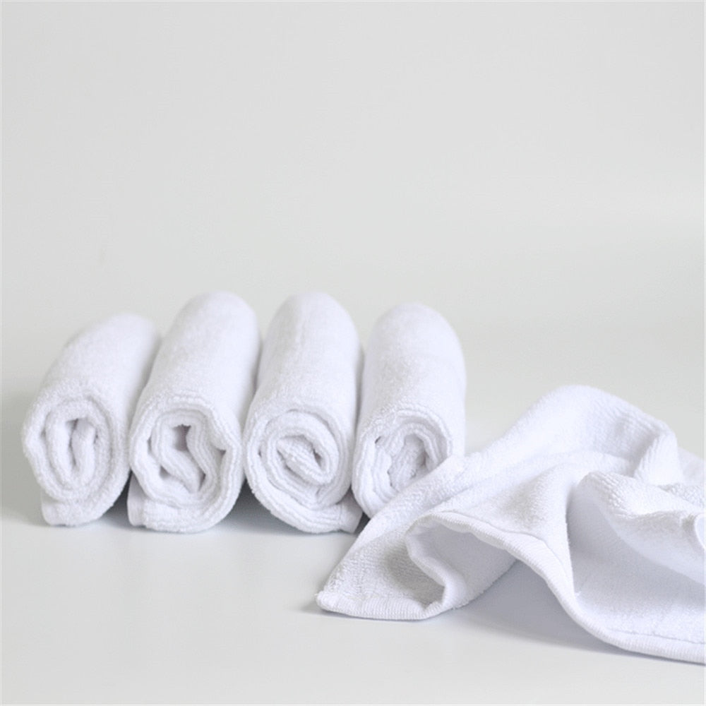 Wholesale Soft White Cheap Face Towel Small Hand Towels Square White Kitchen Towel Hotel Restaurant Kindergarten Cotton Towel