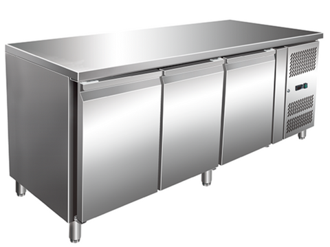 "70"" Refrigerated GN Counter"