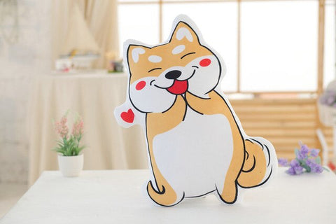 Coussin Shiba Inu In Love sur une table