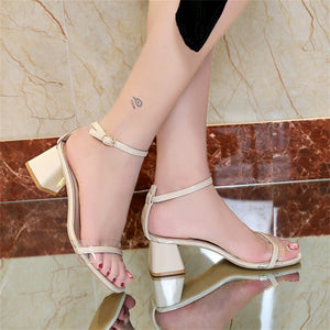Button sandals with thick middle heel and open toe