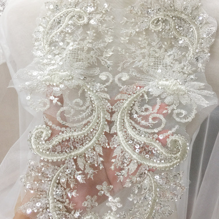 2 Pieces Top Quality 3D Silver Thread Beaded Sequin Lace Applique Flower Patch Applique Wedding Dress Accessories